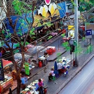 Bangkok-Urban-Identities-SoiThongLo